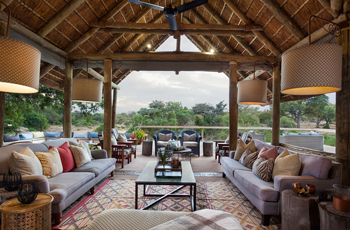 Thornybush Game Lodge - Main area