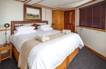 Room Interior, Pangolin Houseboat, Chobe River