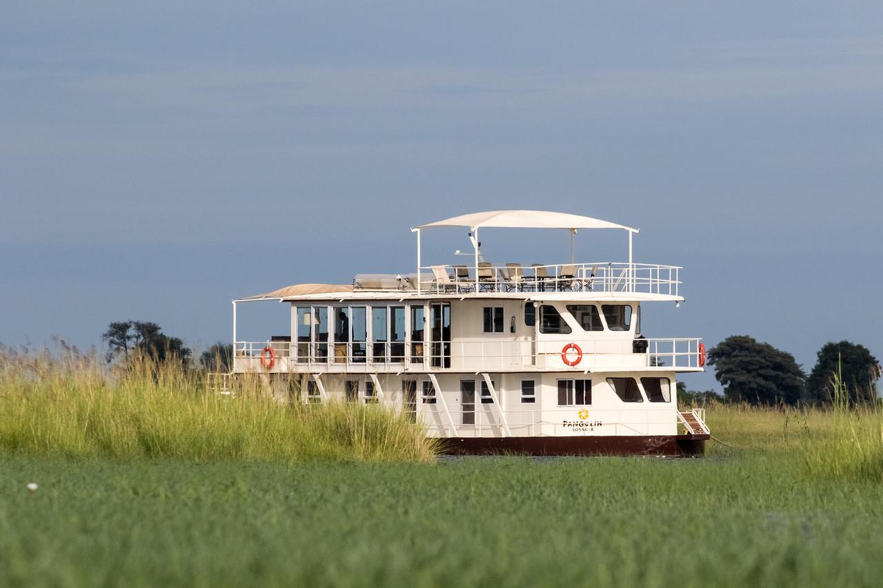 Pangolin Houseboat, Chobe River