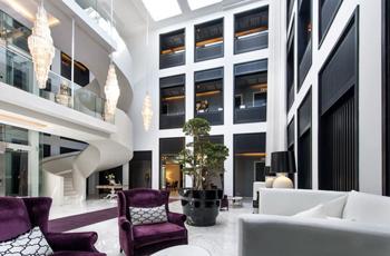 Hotel interior, Queen Victoria Hotel