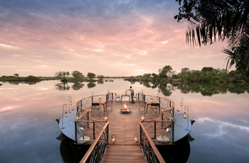 Thorntree Lodge overlooks the Zambezi River